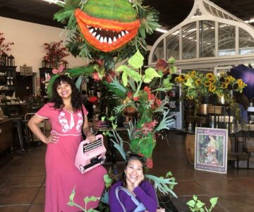 Billimarie and her mom in front of Audrey (II) from the Little Shop of Horrors in Jacob Maarse.